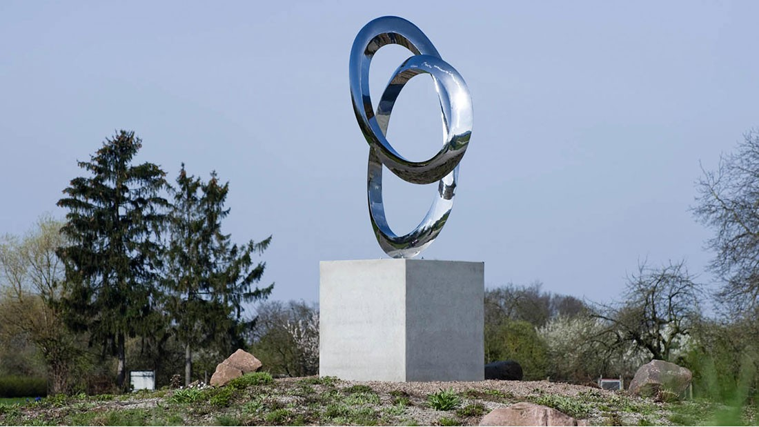 ProMinent funds a sculpture for Wieblingen roundabout (Heidelberg, Germany)